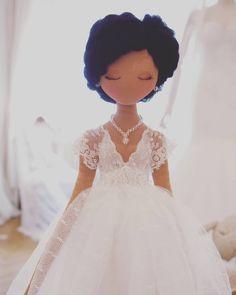 Handmade Dolls, Art Dolls, Cinderella, Doll Clothes, Girls Dresses, Rag Dolls, Molde, Filing Cabinets, Bags - craftIdea.org Tiny Dolls, Soft Dolls, Cute Dolls, Fabric Dolls, Rag Dolls, Afro Art, Sewing Dolls, Doll Tutorial, Knitted Dolls