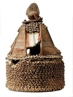 Yoruba Ile Ori (House of the Head Shrine), Nigeria Out Of Africa, West Africa, African Hats, African Fabric, Tribal Art, Wood Sculpture, Art And Architecture, Crowns, Fabric Design