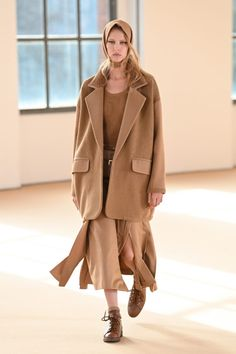 Max Mara, Fashion Show Collection, Winter Collection, Milano Fashion Week, Power Dressing, Fashion News, Fashion Trends, Ready To Wear, Celebrity Style