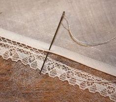 Как пришить кружево без швейной машины