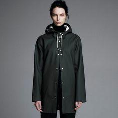 Shop the Stutterheim Stockholm raincoat in Green. Dog Raincoat, Stockholm, Green Raincoat, Raincoats For Women, Rain Wear, Fashion Beauty, Women's Fashion
