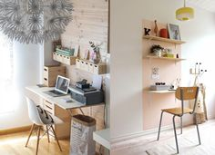 20 inspirations pour un petit bureau - Joli Place Bedding Inspiration, Desk Inspiration, Room Of One's Own, My New Room, Room For Improvement, Workspace Design, Home Office, Home And Living, Home Projects