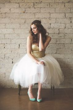 Gold Sequin Tulle Wedding Dress from Ouma Keira Knightley Bridal Style Inspiration Sequin Wedding, Tulle Wedding, Wedding Gowns, Glitter Wedding, Wedding Blog, Wedding Ideas, Wedding Shoot, Wedding Inspiration, Vestido Strapless