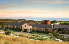 The Farm at Cape Kidnappers in Hawkes Bay, New Zealand offers 5 star luxury lodge accommodation, an award-winning par 71 golf course and indulgent spa treatment facilities