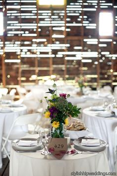 3 Top DIY Wedding Flowers - Barn Wedding Centerpieces from Blooms by The Box - mazelmoments.com