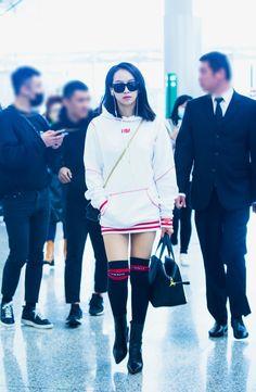 #songqian #victoriasong #Fx #MeU Fashion Song, Fashion Idol, Kpop Fashion, Daily Fashion, Korean Fashion, Girl Fashion, Womens Fashion, Airport Fashion, Kpop Outfits