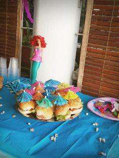 Mini Hawaiin Burgers for Kid Party!