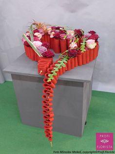 1 million+ Stunning Free Images to Use Anywhere Ikebana Arrangements, Modern Flower Arrangements, Valentine Decorations, Flower Decorations, Art Floral, Floral Design, Fleur Design, Valentines Flowers, Free To Use Images