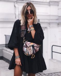 How to style with trendy Dior saddle bag? Street Style Boho, Street Style Outfits, Indie Outfits, Fashion Outfits, Boho Style, Travel Outfits, Fashion Clothes, Street Fashion, Boho Fashion