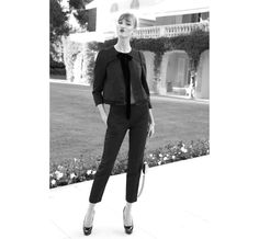Karlie Kloss en smoking Louis Vuitton http://www.vogue.fr/sorties/on-y-etait/diaporama/le-gala-de-l-amfar-2013/13447/image/757677#!karlie-kloss-en-smoking-louis-vuitton