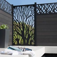 Giacca a vento retrattile Leroy Merlin Beau 11 Breeze Vue Terrasse Leroy . Fence Design, Door Design, House Design, Diy Privacy Fence, Privacy Screens, Boundary Walls, Window Grill, Partition Design, Grill Design