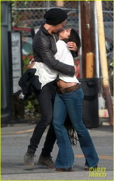 PDA: Vanessa Hudgens exposed her belly in a midriff baring top today, as she shared a kiss with boyfriend Austin Butler before going to church Vanessa Hudgens And Austin Butler, Estilo Vanessa Hudgens, Vanessa Hudgens Style, You Smile, Cute Couple Pictures, Couple Photos, Typical White Girl, Fangirl, A Fine Romance