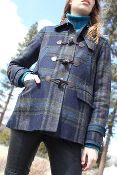 English tartan for the all-American outdoors. Cozy up to our stylish duffle jacket.