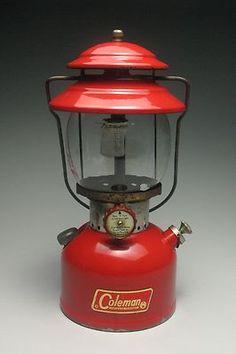 Vintage Coleman Lantern w / Box