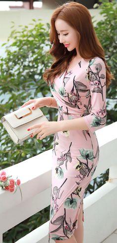 StyleOnme_Floral Print Slim Fit Wrap Dress #romantic #pink #floral #dress #slimfit #koreanfashion #kstyle #kfashion #datelook #seoul