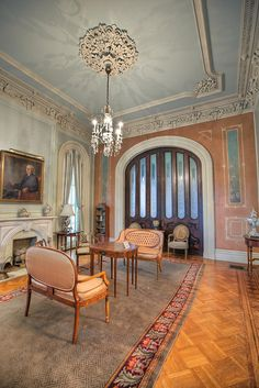 Hay House, Macon, GA is built in the late in in the Italian Renaissance Revival Style by entrepreneur William Johnston. Victorian Interiors, Victorian Homes, House Interiors, Interior Design History, French Style Homes, Antebellum Homes, Old Farm Houses, Plantation Homes, Ceiling Design