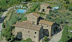 GREVE IN CHIANTI (FI). Nel cuore del Chianti, poco distante da Firenze e da Siena, avviata struttura ricettiva (casa vacanze) in antico borgo medievale, sorto intorno a un castello fortificato del XII secolo. 8 appartamenti, piscina, giardino, bosco, vigneto http://www.coldwellbanker.it/gruppofutura/vendita/greve_in_chianti/dettaglio-immobile-agente-dettagli_CBI038-10-13326.html
