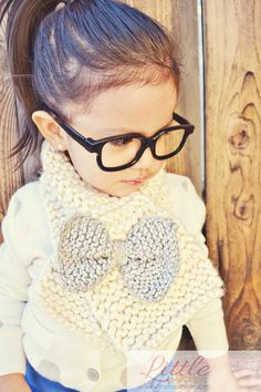 (via How To Knit A Bow Scarf» Little Inspiration)