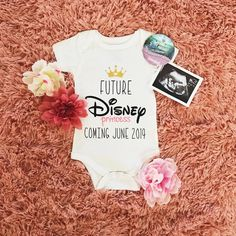 Baby reveal ideas disney maternity photos ideas for 2019 Disney Pregnancy Announcement, Its A Girl Announcement, Baby Announcements, Pregnancy Photos, Pregnancy Tips, Disney Pregnancy Shirt, Maternity Photos, Announce Pregnancy, Halloween Baby Announcement