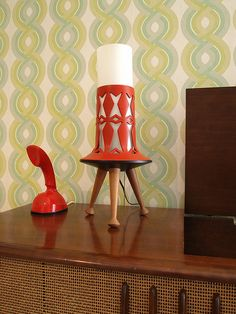 mid century modern lamp - great for the living room, styling a bookshelf, or a bedside table.
