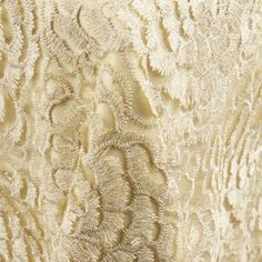 Mika | Color: Champagne - La Tavola Fine Linen - *I would do a darker underlay to make the top layer trend more gold.  Picture does not convey how amazing this linen is.