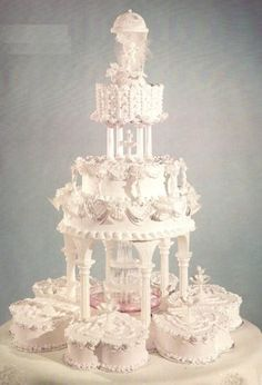 Perfected Wedding Day with Fountain Wedding Cakes Elegant Fountain Wedding Cakes for Wedding DayCastle Fountain Wedding Cakes with luxurious designSpecial Chocolate Wedding Cakes for Special Wedding DaySpecial Wedding Cakes Collection For Wedding Day Big Wedding Cakes, Wedding Cake Fresh Flowers, Wedding Cake Photos, Elegant Wedding Cakes, Beautiful Wedding Cakes, Wedding Cake Designs, Beautiful Cakes, Wedding Day, Trendy Wedding