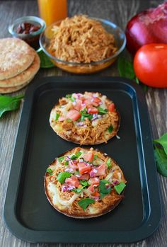 Mini BBQ Chicken Pizza is a quick and easy dinner that your kids will love! Mini BBQ Chicken Pizza is so fun to make! Get your kids in on the creation of these cute Bbq Chicken Sandwich, Chicken Pizza, Mini Pizza Recipes, Sandwich Thins, French Bread Pizza, Quick Meals, Yummy Food, Lunch, Cooking