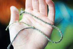 Paper Raindrops: Super easy friendship bracelet DIY