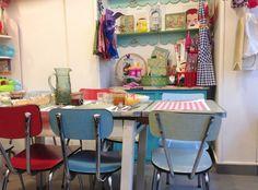 Milk: mum in her little kitchen - PARIS