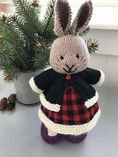 Ravelry: suzymarie's Buffalo Plaid Dress Knitted Stuffed Animals, Knitted Bunnies, Knitted Animals, Knitted Dolls, Animal Knitting Patterns, Doll Patterns, Crochet Patterns, Plaid Crochet, Knit Crochet