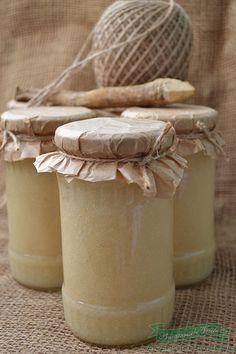 Reteta Pasta de Hrean la borcan.Crema de hrean cu smantana, crema de hrean cu frisca, pasta de hrean pentru iarna.Cum se prepara Pasta de Hrean la borcan