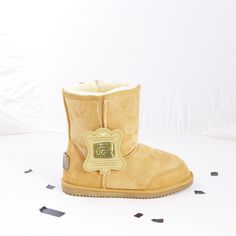 Original UGG: Chestnut Detailed Mid Sheepskin UGG Boot spotted at Ozsale. Price was $189.95 and is now only $99.