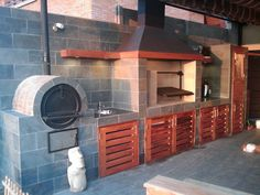 outdoor kitchen, only more rustic.quincho- BBQ Chilean style includes empanada oven, with pergola Bbq Kitchen, Backyard Kitchen, Rustic Backyard, Fire Pit Backyard, Outdoor Kitchen Design, Backyard Patio, Outdoor Oven, Outdoor Cooking, Outdoor Rooms