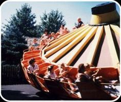 The Wobble Wheel!!! One of my all-time favorite rides at Worlds of Fun in Kansas City, MO when I was a kid. It's gone now, but ohhhhh how I loved it!