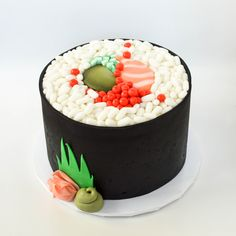 sushi roll cakeYou can find Sushi cake and more on our website. Sushi Cupcakes, Sushi Cake, Sushi Party, Fondant Cakes, Cupcake Cakes, Cakes That Look Like Food, Camping Cakes, Realistic Cakes, How To Make Sushi