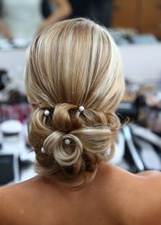 hair and makeup for wedding - Google Search, but on the side, I like the pearl look.
