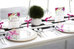Bridal Shower Table Setting shown with Shutterfly bridal shower invitations for a chic floral theme. || Follow Kristi on Pinterest at http://www.pinterest.com/kristimurphydiy/ for more chic ideas.