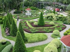 Day 3- Nongnooch village Nong Nooch garden is also dedicated to education, preservation and research as well as the conservation of the worlds Largest palm collection, the largest variety of Orchids in Thailand and other tropical flora and fauna.