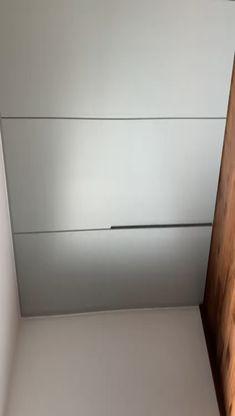 IDAW_Einbauschrank - matt lackiert mit integrierten Griffen - New Ideas Closet Doors Painted, Bedroom Closet Doors, Diy Wardrobe, Bedroom Closet Design, Bedroom Furniture Design, Bedroom Wardrobe, Built In Wardrobe, Home Room Design, Home Decor Bedroom