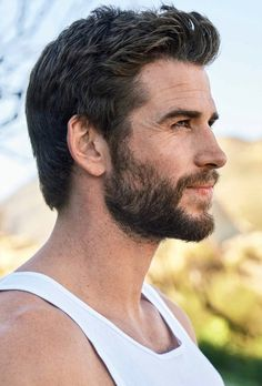 Liam Hemsworth Source — HQ photos of Liam for Men's Health Australia. Muscle Fitness, Muscle Men, Muscle Food, Men's Fitness, Gain Muscle, Build Muscle, Workout Routine For Men, Workout Men, Cover Male