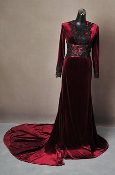 Once Upon A Time Regina Evil Queen Inspired Red by --coolest etsy shop with once upon a time costumes totally would blow my money there if I  had any to blow lolAddictedToMagic