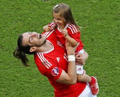 """Wales players are asked not to bring their children onto the pitch after Euro 2016 matches finish because it is """"not a safe place"""". Wales Football Team, Welsh Football, Football Tournament, Football Kits, European Football, Wales Euro 2016, Real Madrid Players, Good Soccer Players, Gareth Bale"""