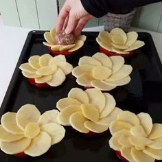 Creative and Beautiful Vegetable Silhouettes - Delicious Food Homemade Pastries, Homemade Pancakes, Mushroom Cake, Food Garnishes, Food Platters, Decorating With Pictures, Arabic Food, Iftar, Turkish Recipes