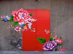 25 Beautiful Front Doors That Leads To A Happy Home Unique Front Doors, Beautiful Front Doors, Cool Doors, Vintage Doors, Front Door Design, Painted Doors, Windows And Doors, Red Doors, Exterior Design