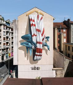 Environmental Graffiti duet Nevercrew, working together since 1996. They create an impressive graffiti in which veiled hint at the problems with the environment. This topic is always relevant, and on the eve of the year of ecology in Russia especially. In particular, they show that modern technologies have a direct impact on wildlife and the environment. Favorite characters paintings duo are the largest mammals on Earth - whales and sperm whales.