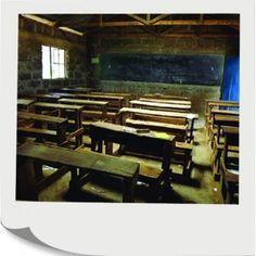 Kúpou tohto darčeka umožníte vybaviť jednu triedu novučkou tabuľou a jednoduchými drevenými lavicami so stolmi.  Zariadenie triedy  265,00 € Kenya