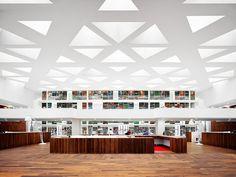Centro Educativo Universidad Erasmus Centro Medico / Claus en Kaan Architecten
