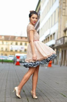 Sheinside Apricot Short Sleeve Lace Pleated Chiffon Dress