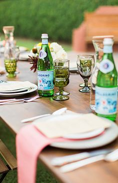 Intimate dinner backyard dinner party at Tremaine Ranch in Phoenix, Arizona Outdoor Dinner Parties, Outdoor Entertaining, Summer Deserts, Creative Party Ideas, Spring Party, Colorful Party, Spring Recipes, Host A Party, Perfect Party