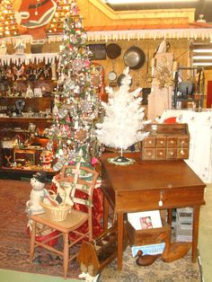 antique mall booth displays | lebanon tennessee antiques vintage antique christmas